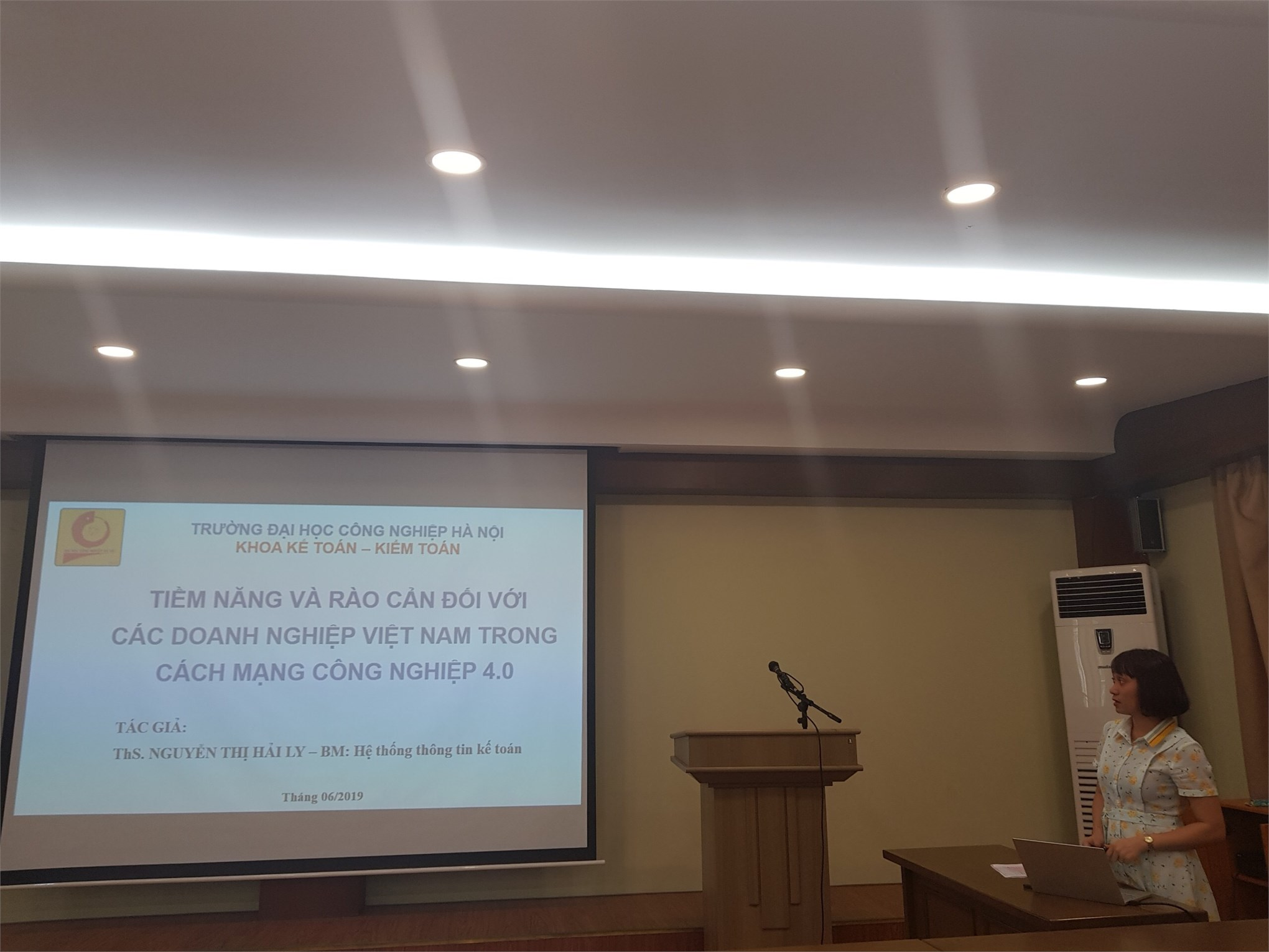 Hội nghị khoa học khoa Kế toán Kiểm toán năm học 2018-2019