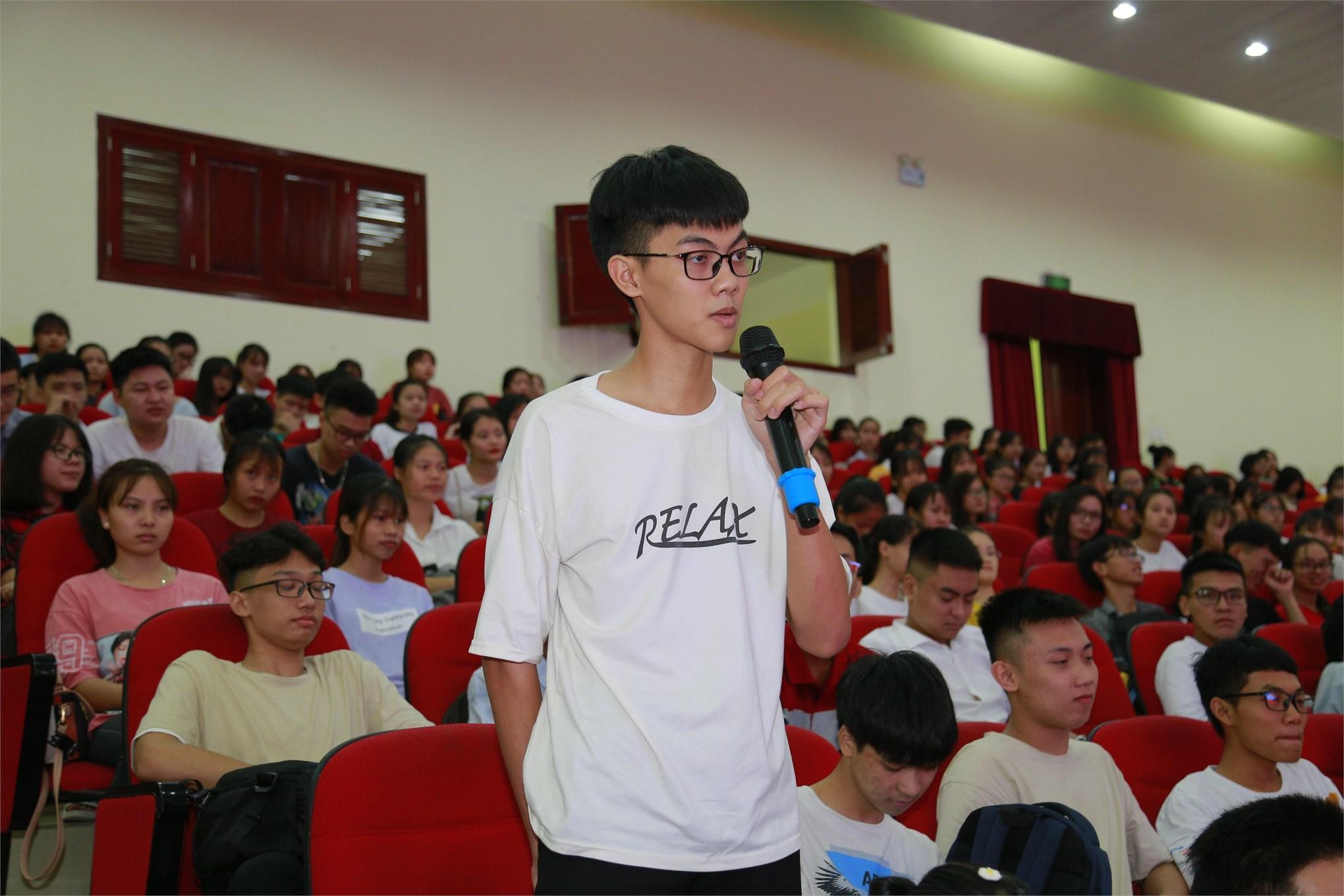Ngày hội chào Tân sinh viên đại học khóa 14-Ngành Kế toán Kiểm toán