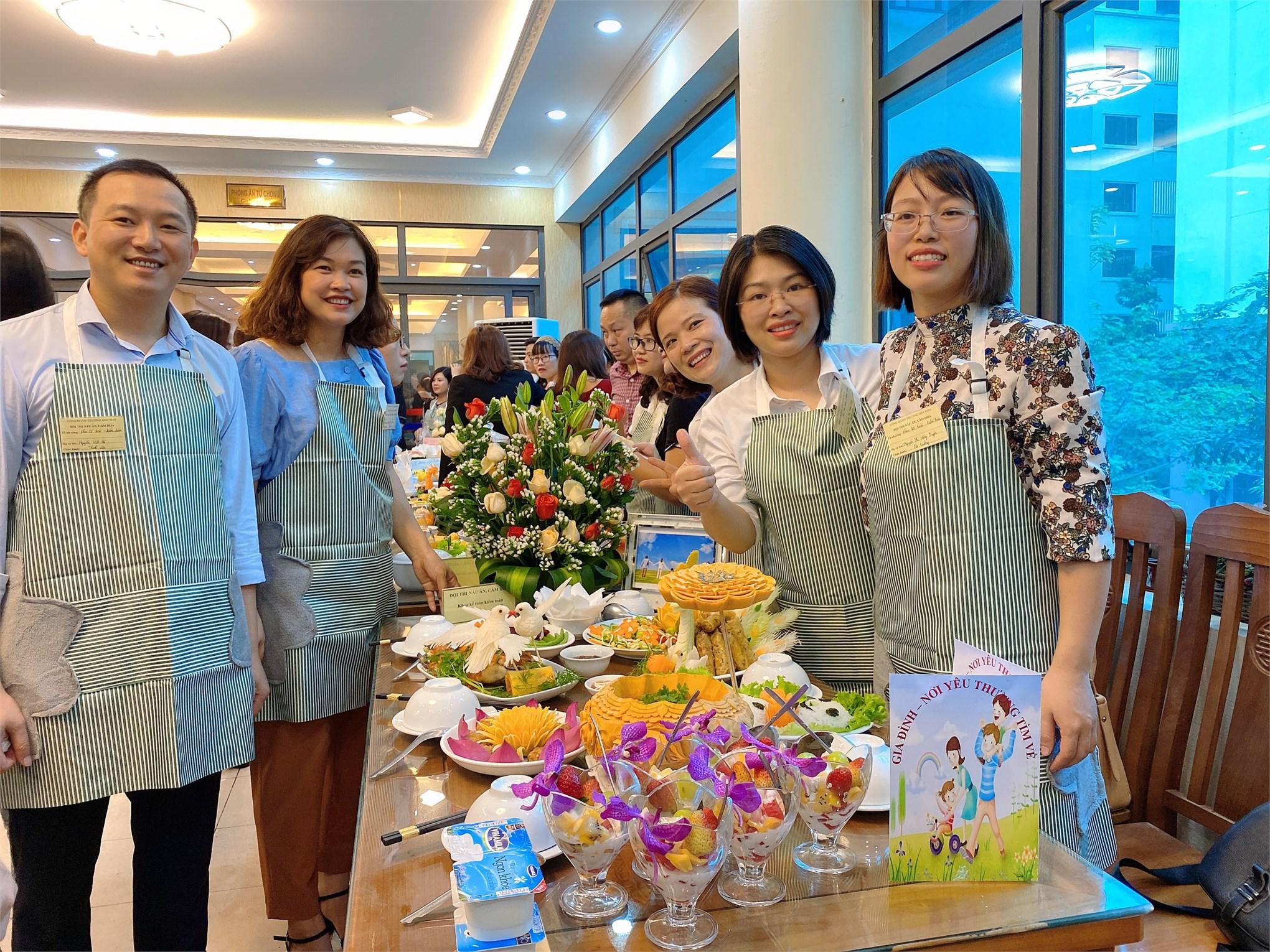 Hội thi nấu ăn cắm hoa kỉ niệm 90 năm ngày thành lập Hội Liên hiệp Phụ nữ Việt Nam