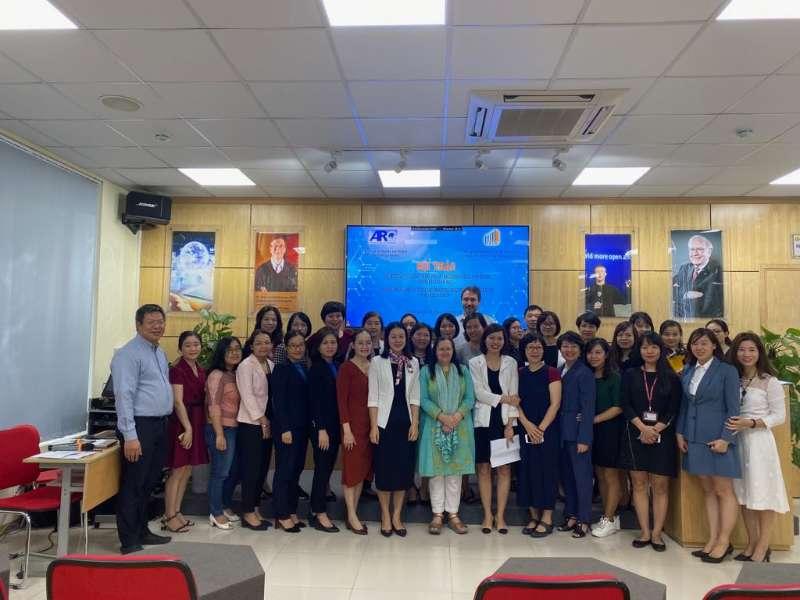 """Tham dự Hội thảo """"Đổi mới sáng tạo hoạt động dạy học và tăng cường giáo dục khởi nghiệp trong trường học"""""""