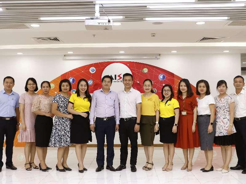 Tham quan và làm việc của đoàn cán bộ giảng viên khoa Kế toán Kiểm toán -Trường ĐH CNHN với công ty cổ phần MISA