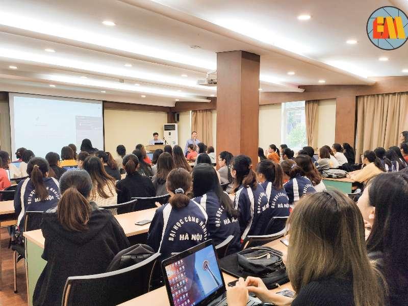 Đào tạo phương pháp nghiên cứu cho sinh viên các nhóm NCKH năm học 2020-2021